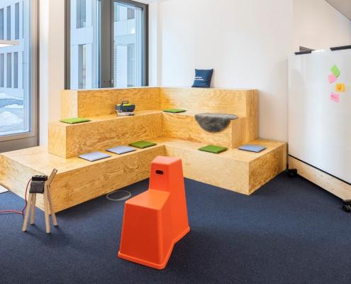 ort der zusammenkunft in hybriden Büros